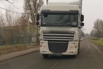 Elborult a kamionos agya, ráhúzta a kormányt egy szemből érkező autóra Pesten
