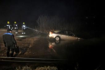 Így mentették ki a Dunába csúszott Audit – videó