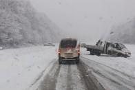 Így borította be a magyar utakat az idei első komoly havazás 1