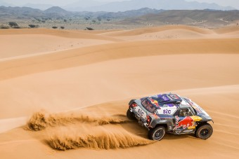 Peterhansel 14. alkalommal nyerte a Dakart