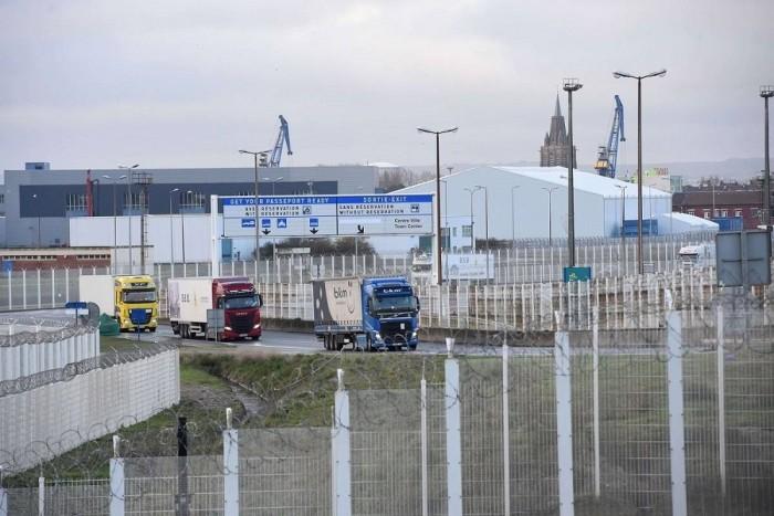 Rommá bírságolják a kamionokat Angliában
