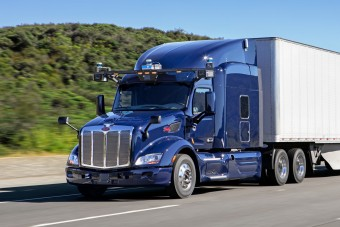 Önvezető teherautókat fejleszt a DAF anyacége