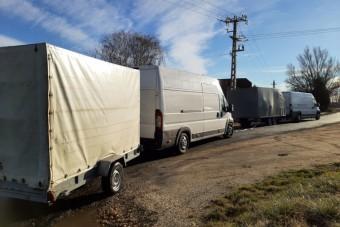 Utánfutós furgon vontatott utánfutós furgont Vas megyében