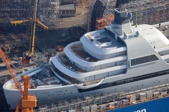 Vízre került Abramovics 180 milliárd forintot érő új luxushajója