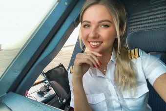 Alenával, az orosz pilótával ejtőernyő nélkül is a magasba repülnénk