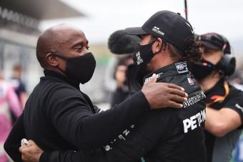F1: Apja már Hamilton visszavonulására célozgat