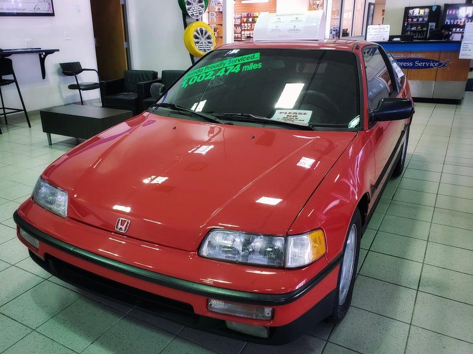 1,6 millió kilométert futott ez a piros Honda CRX, de meg se látszik rajta 1