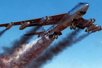 Ilyen, amikor begyújtott rakétákkal száll fel egy repülőgép