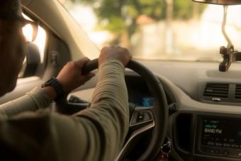 Mennyit vezethetünk büntetlenül egyhuzamban?