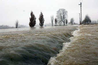 Fotón a kiáradt Sajó, utakat zártak le Borsodban