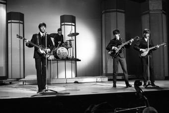 Ritka, milliókat érő Beatles-holmikat árvereznek el