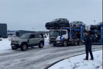 El sem hisszük, milyen erő lakozik a Land Rover Defenderben