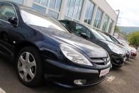 A szigor ellenére öregebb autókat hoznak be külföldről a magyarok 1