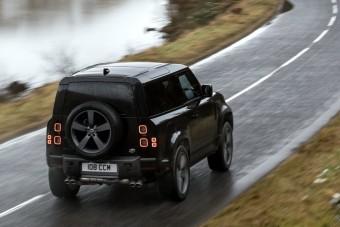 Öklelő orrszarvúként mozog a legbrutálisabb Land Rover