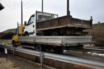 Teherautó volt a teherautó platóján az M3-ason, kétszer fizetett félmilliót a makacs sofőr