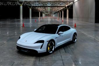 Sebességrekordot döntött a Porsche villanyautója