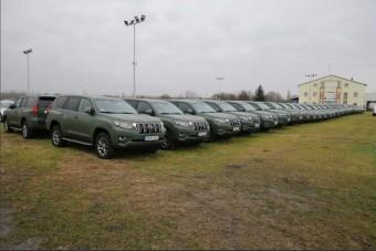 52 vadonatúj terepjárót vásárolt a rendőrség