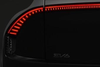 Látványos részletekkel érkezik a Kia EV6