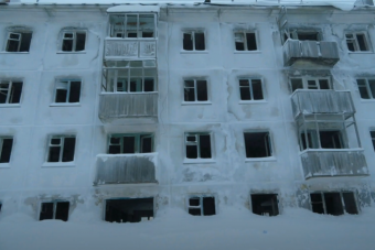Jégbe fagyva áll egy elhagyott orosz város