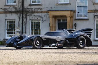 Mustangból építettek vérbeli Batmobile-t