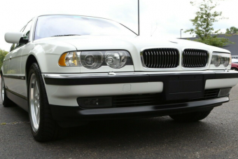Egy boldogabb kort idéz meg ez 21 éves, tökéletes BMW