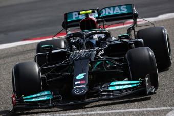 F1: Azonnal bajba került a Mercedes a teszten