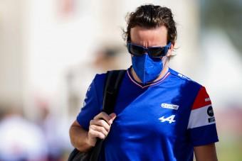 F1: Alonso megsértődött Sainz dobogója miatt