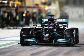 F1: Szoros csata után Hamilton nyert Bahreinben
