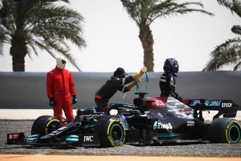F1: Hamilton a kavicságyban, Bottas az élen