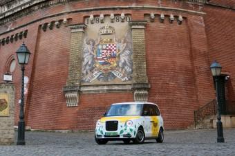 Most ez lehet Budapest legfeltűnőbb autója