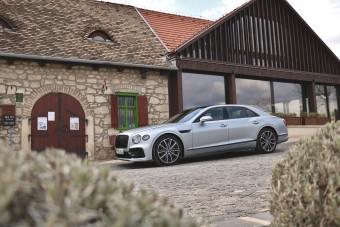 Spúrok kíméljenek! – Vezettük a 112 milliós Bentleyt