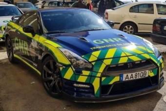 Lefoglalt sportkocsit fogott be a rendőrség, nem is akármire