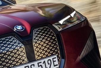 Mindent újraértelmez a BMW villany-terepjárója