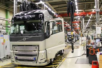 Megjöttek az első felvételek az új Volvo teherautókról