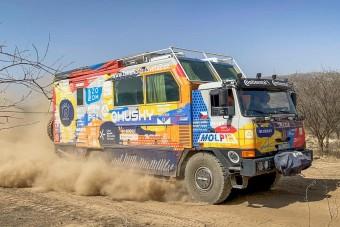 Már Etiópiában jár a világkerülő Tatra