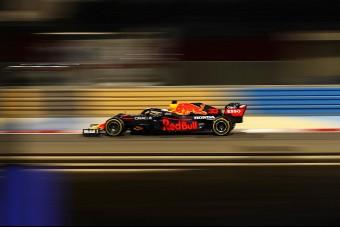 F1: Verstappen élesben is legyőzte a Mercedest