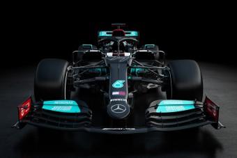 F1: Látványos változás a Mercedes új autóján