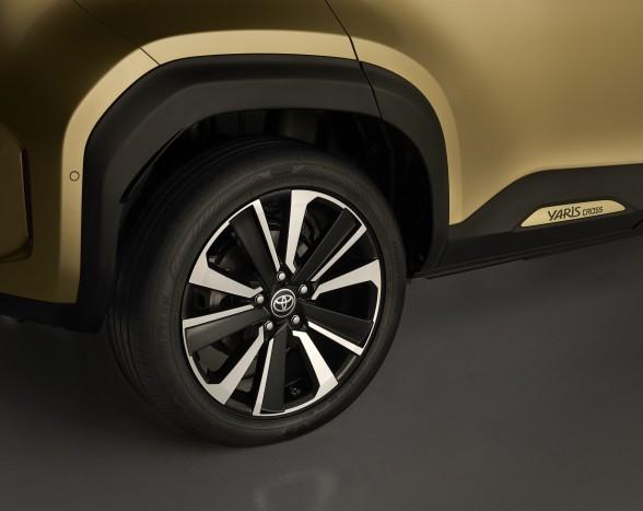 Férfiasabb kivitelben is elérhető lesz a legkisebb Toyota crossover 3
