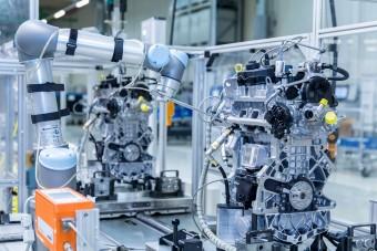 Robotok szaglásszák a győri Audi motorjait