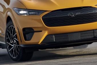Sportautót készített villanyautójából a Ford