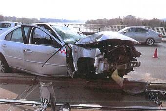Videón az Árpád hídon történt brutális baleset, cserbenhagyó autós okozta
