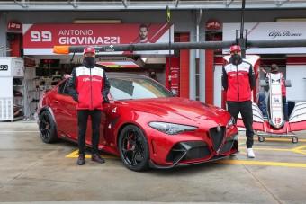 Räikkönenékkel debütál az új Alfa Giulia