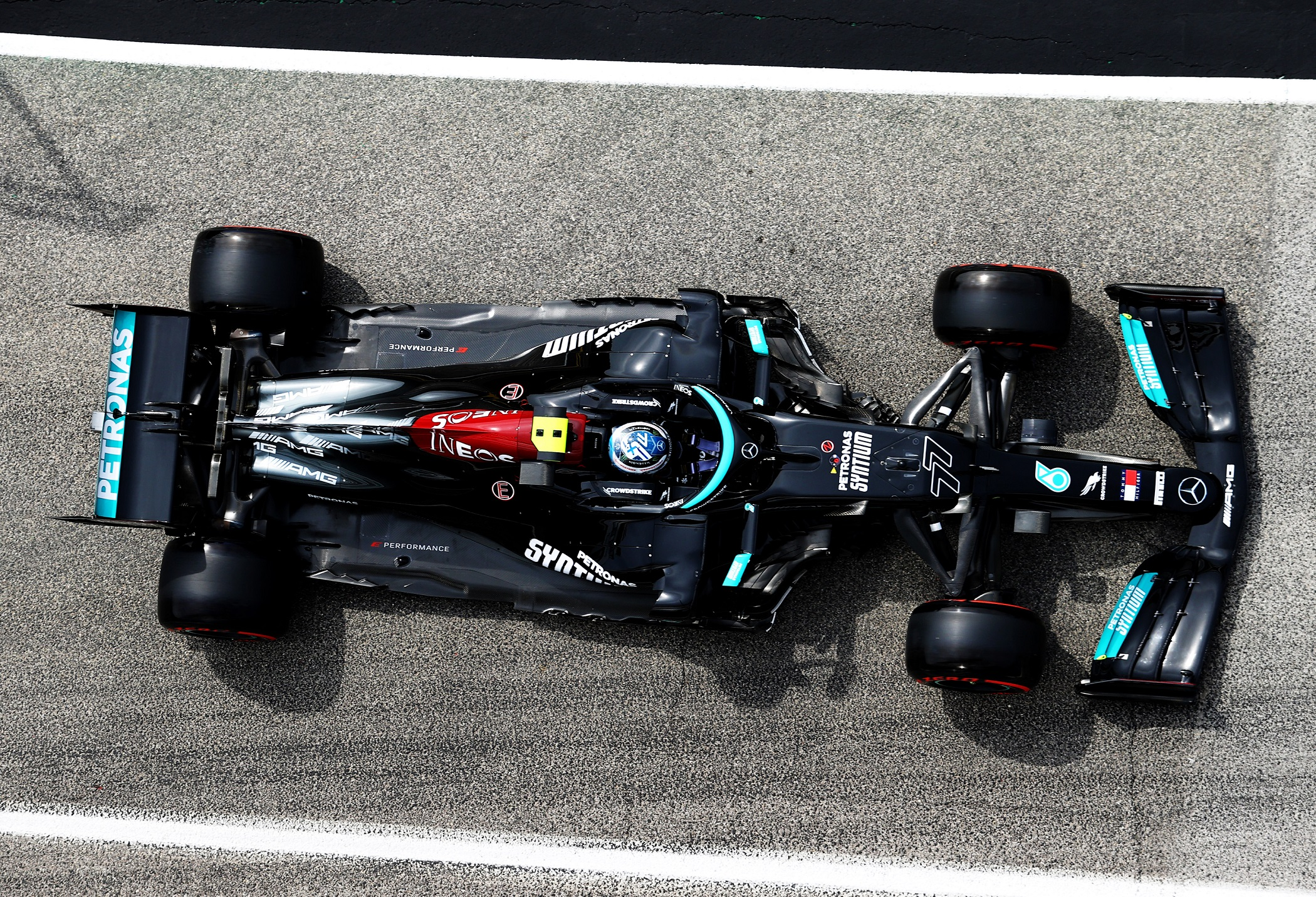 F1: Izgalmas végjáték után Hamiltoné az imolai pole 5