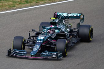 Vettelnek el kellett volna hagynia az F1-et