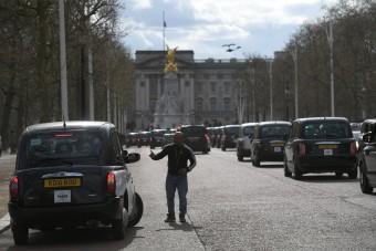 Megható módon búcsúztak a londoni taxisok Fülöp hercegtől