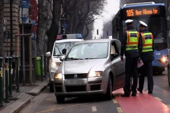 Nagy razziát tartottak a rendőrök a buszsávokban