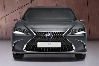Okosabb lett a Lexus közepes szedánja