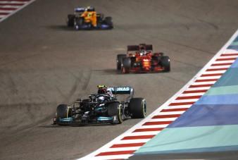 F1: Nagy árat fizethet döntéséért a Mercedes