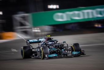 F1: Kételkedik versenyzője szavában a Mercedes főnöke