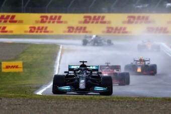 F1: Már látja csapata bukását a Mercedes főnöke